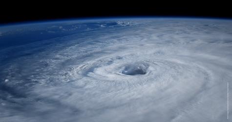 Ouragan le 8 juin au cin ma film sur l 39 ouragan - Les 5 cyclones ...